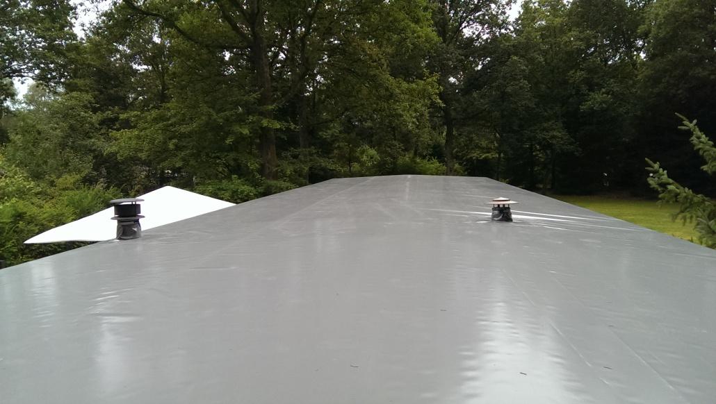 stacaravan nieuw dak van bisonyl